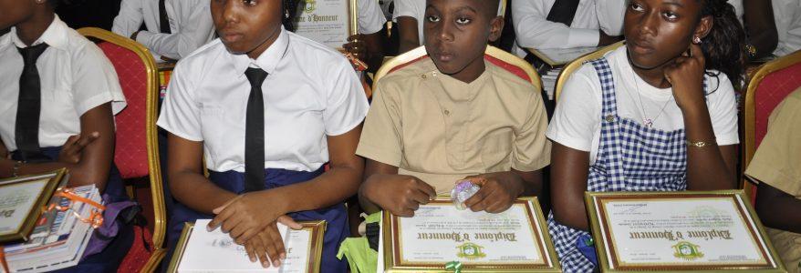 Cérémonie de remise des prix aux meilleurs élèves de Grand-Bassam