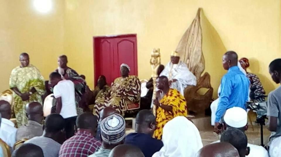 Le Roi des N'Zima reçoit ses pairs et la jeunesse